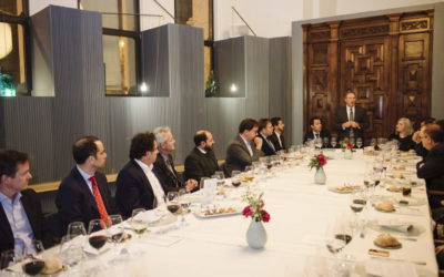 El socio Ricardo Palomo modera «The Ava Dinner» en Madrid